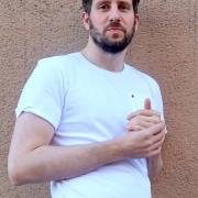 weißes T-shirt, blickdicht